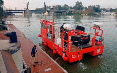 El Puerto de Sevilla prueba un sistema de recogida de basuras marinas